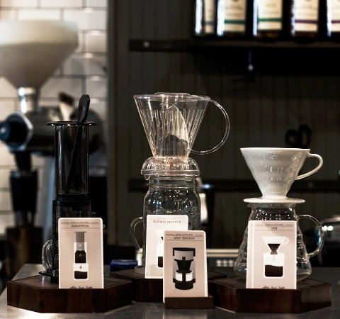 เดลาฟิลด์, วิสคอนซิน: The brew bar includes manual methods: Aeropress, Clever and v60