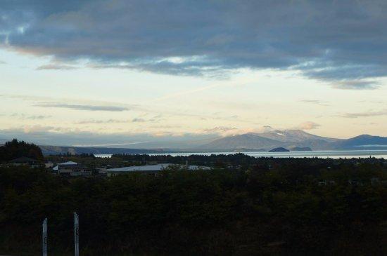 เกาะเหนือ, นิวซีแลนด์: The lake.