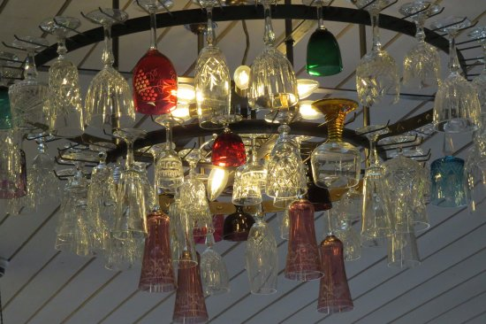 Newent, UK: Glass lighting arrangement