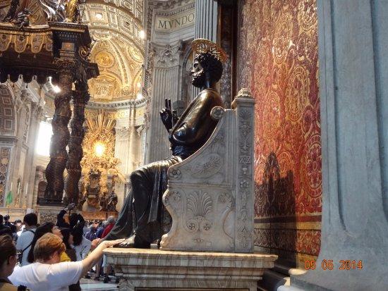 St. Peter Enthroned: Приложились...