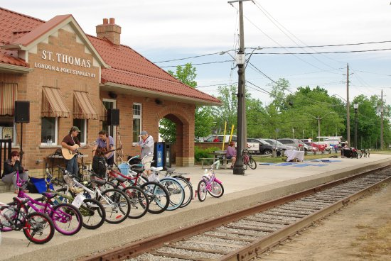 Saint Thomas, Canada: Downtown Bicycle Festival at Railway City Tourism.