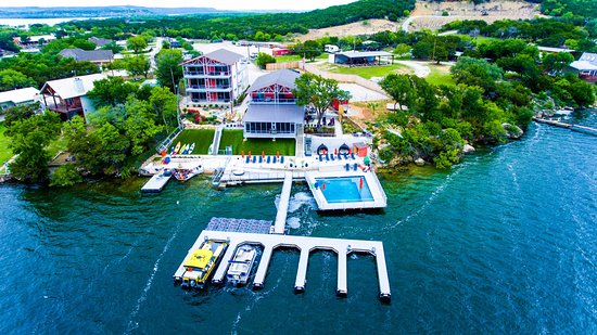 Graford, TX: Lakefront Resort with courtesy dock, beach, pool, bar, restaurant, spa, hotel suites and RV site