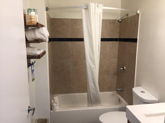La Mesa, CA: Bathroom Shower