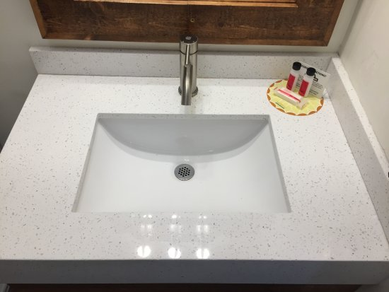 La Mesa, CA: Bathroom Sink