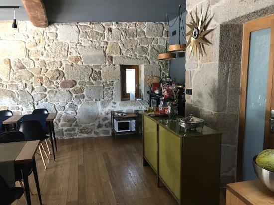 Rust, natuur, minimalistisch, architectuur. - Picture of Os Lambrans ...