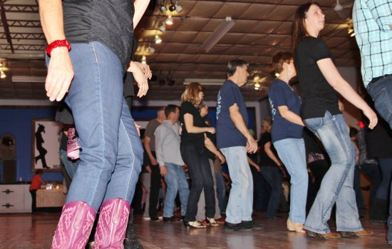 Rockaway, Nueva Jersey: Cowboy Boots, Dance Shoes or Sneakers. come dance in whatever shoes make you feel comfortable!