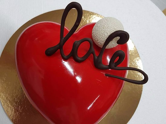 Torta Moderna A Forma Di Cuore Yogurt E Fragola Per San Valentino
