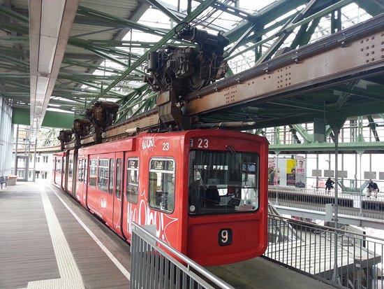 Foto van the wuppertal suspension railway wuppertal tripadvisor - Suspensio geen externe ikea ...