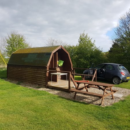 Wykeham, UK: St Helens in the Park, Caravan & Camping