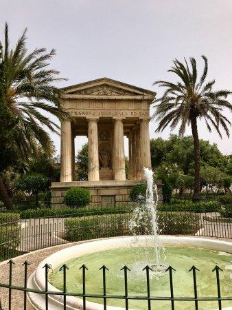 Lower Barrakka Gardens : photo0.jpg
