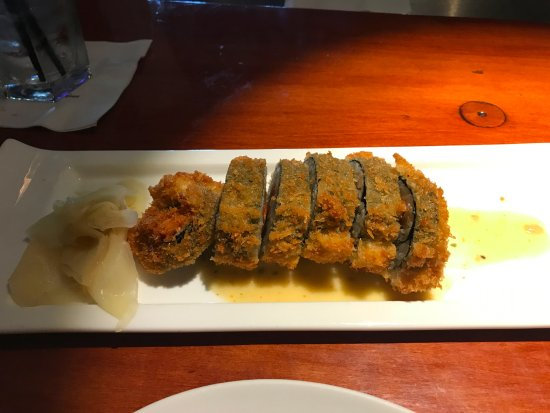 Rancho Mirage, CA: Tempura-crusted Ahi roll