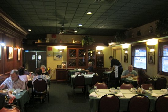 East Syracuse, NY: Dining room