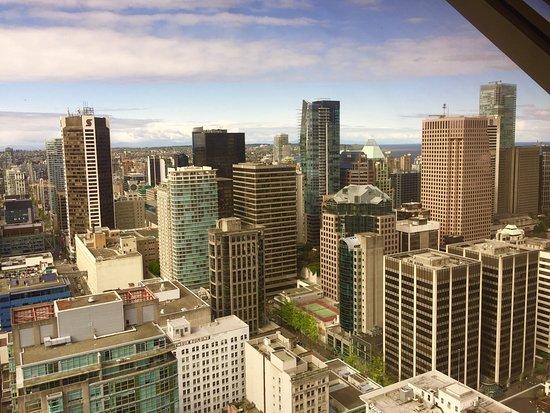 Vancouver Lookout: ...Man bekommt einen sehr guten Überblick über die Stadt....Ticket ist den ganzen Tag gültig soo