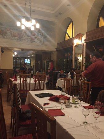 Vörös Postakocsi étterem: photo1.jpg