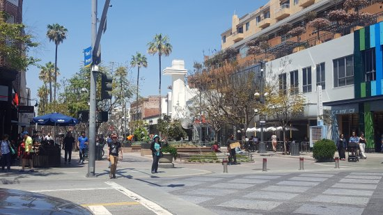 Third Street Promenade: 20170421_123737_large.jpg