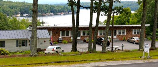 Newbury, NH: Front of motel