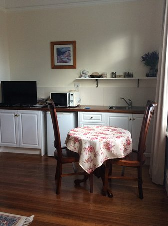Huonville Guesthouse: Kitchenette