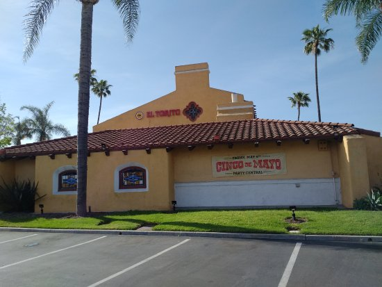 Side exterior of El Torito restaurant in Tustin, CA