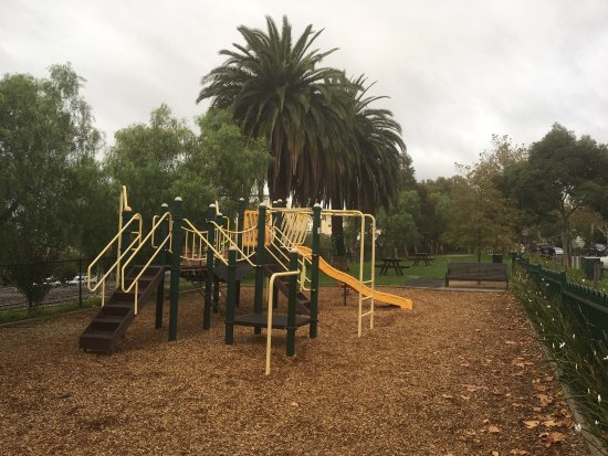 Bellair St Playground