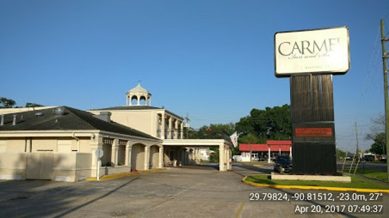 Thibodaux, LA: The coupla on top is from the demolished historic Caramel Academy.