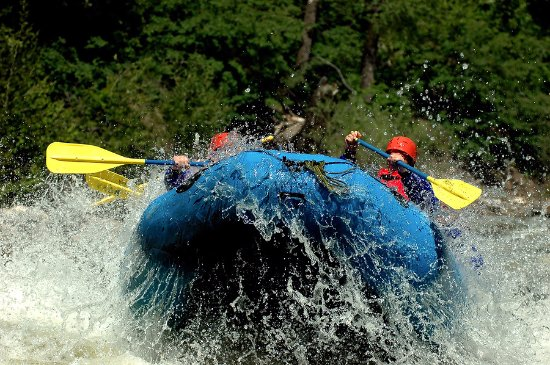 Virginia Occidental: White water and recreational rafting; kayaking available also
