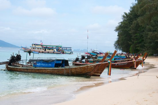 Kantang, Thailand: Crowded beach