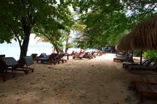 Kantang, Thailand: Sunbeds