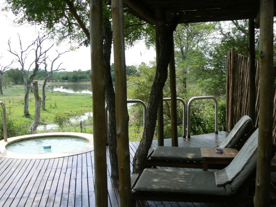 Djuma Game Reserve, Afrika Selatan: The oudoor of the cabin