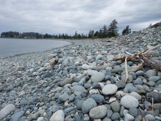 Sooke, Canada: HUGE rocks!