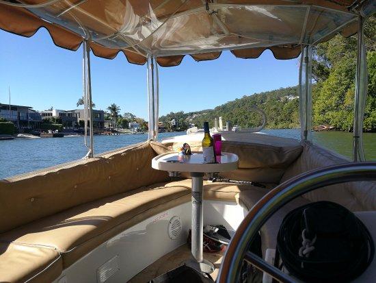 Malu Os Eco Boat Hire Noosa: Aperitivo preparado. Después el picnic