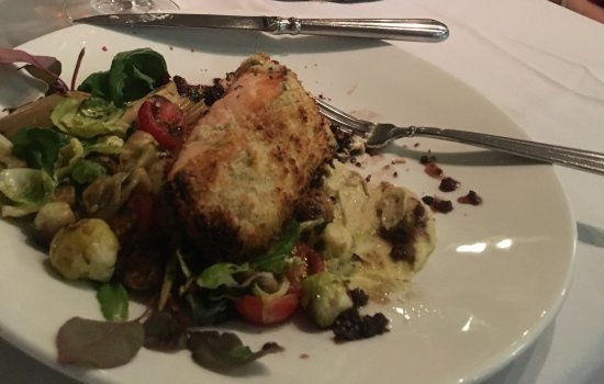 Frenchtown, St. Thomas: Salmon entree