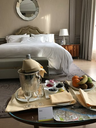 The Westin Excelsior Florence: free champagne