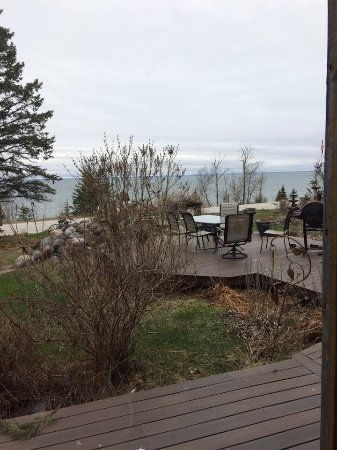 Inn on Gitche Gumee: Lake Superior View from 1st Floor