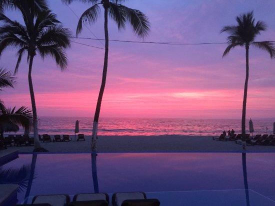 Hyatt Ziva Puerto Vallarta: Sunset from restaurant