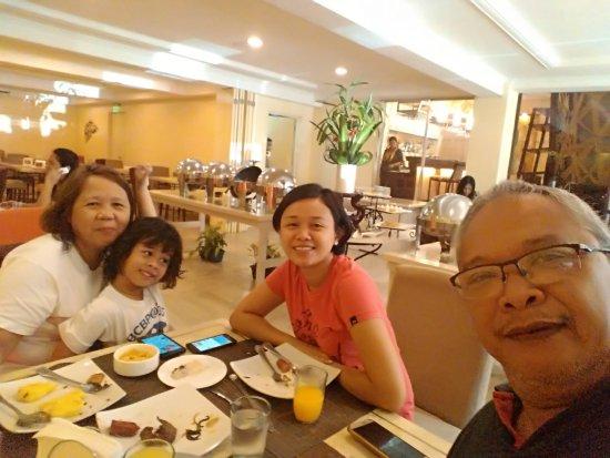 Cebu Grand Hotel: P_20170427_100932_BF_large.jpg