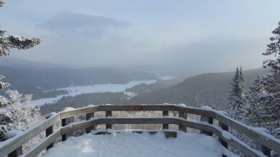 Mont Tremblant Resort: Sur le belvedere en plein hiver 
