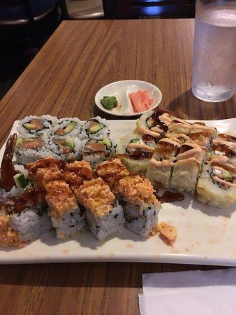 Sushi Fang: Salmon avocado, New Minas and Tasty sushi rolls