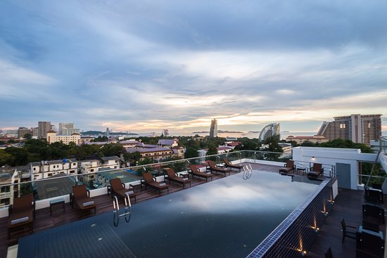 Roof Top Swimming Pool Picture Of Blue Boat Design Hotel Pattaya Tripadvisor