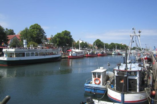 Warnemuende Shore Excursion: Day Tour...