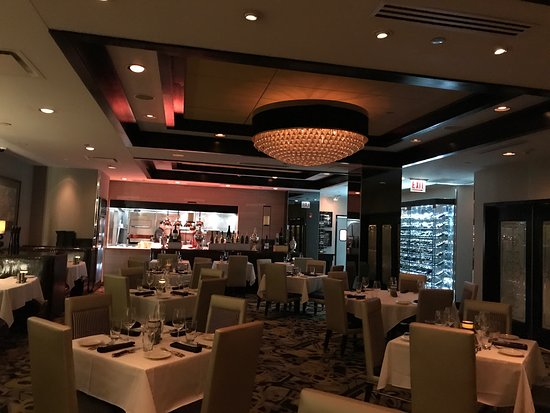 Morton's The Steakhouse - Chicago - Wacker Place: Interno locale