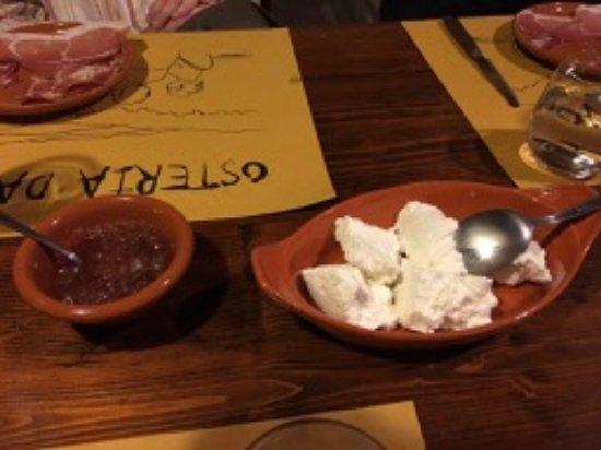 Agriturismo Erta: Ricotta cheese with Onion relish