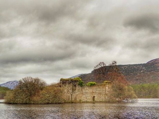 Эвимор, UK: Castle on Loch an Eilein