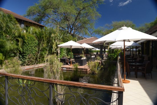 Protea Hotel Livingstone: Beautiful fish ponds
