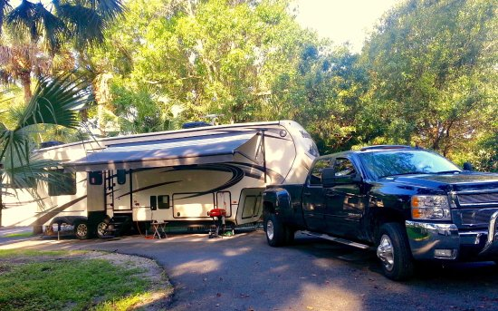 Easterlin Park RV and Campground: Plenty of space to park and enjoy our 40ft 5th wheel.