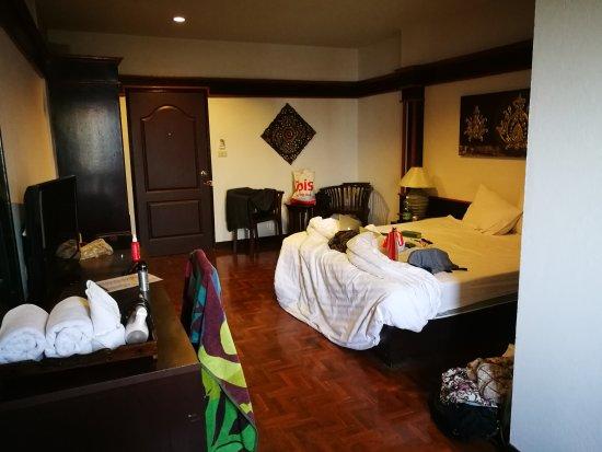 Buaraya Hotel Chingmai: Sauberkeit des Zimmers lässt zu wünschen übrig...