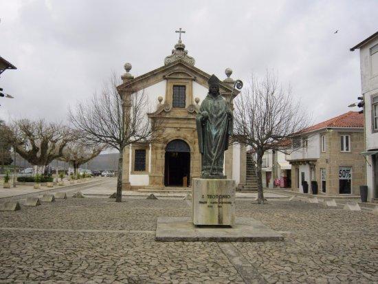 ESTÁTUA DE São Teotónio