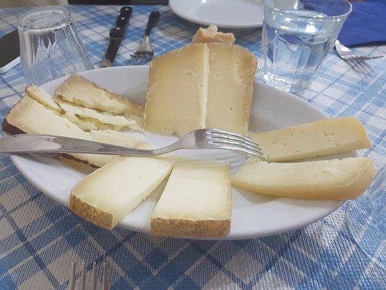Subbiano, Itália: formaggi