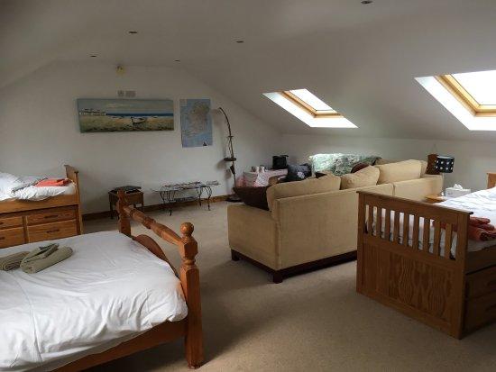 Rush, Ireland: Außenansicht und der sog. Family Room