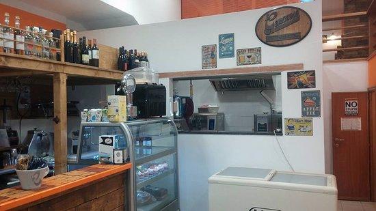 il bar e la cucina - picture of zio paperooga caffe e cucina ... - Cucina Bar