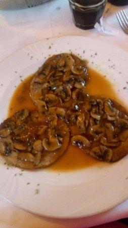 Trattoria La Bianchina : arrosto con funghi champignons (troppo salato e secco)